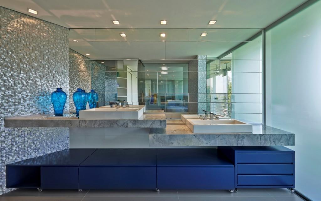 banheiro de luxo azul bellini arquitetura